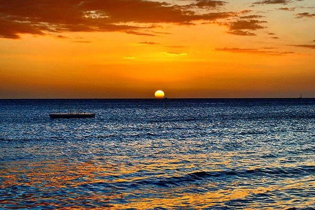 Sunset Newcaledonia Island Oceanpacifique Photooftheday Mynewcaledonia Ansevata Newcal Color Amazing Bartocal