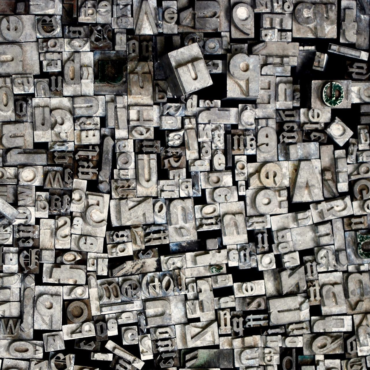 Beautifully Organized Text Backgrounds Alphabet Muster Mix Printing Press Technology Big Data Full Frame Abstract Things Organized Neatly Fine Art Typo Around The World Textures And Surfaces Typography Typo Black And White Rows Of Things EyeEm Best Shots EyeEm Masterclass Close Up Technology