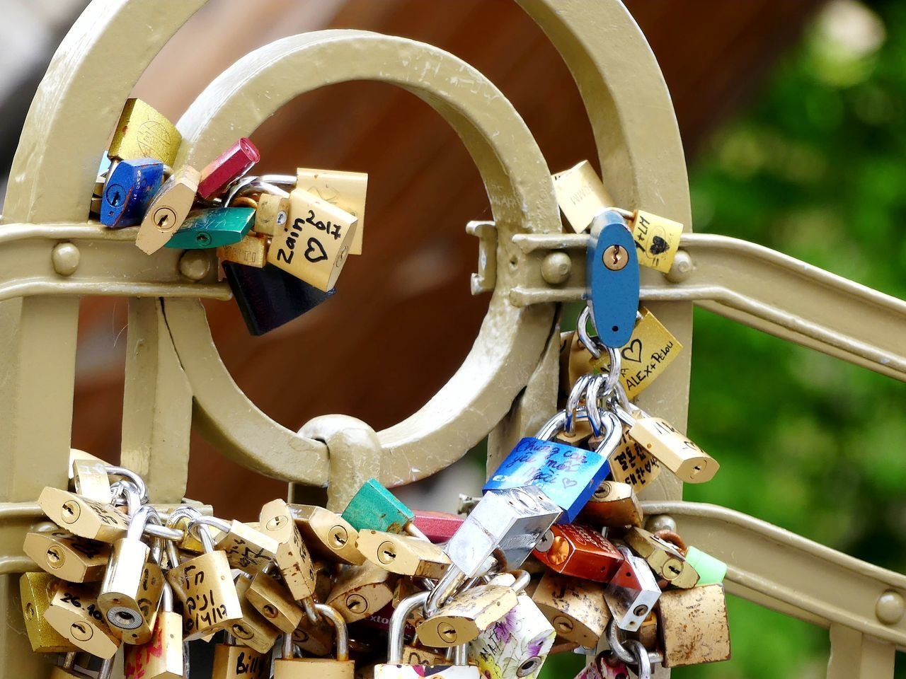 Locks Locks Of Love Love Bridge Love No Edit/no Filter Love Locks Bridge Locks And Keys Tradition Cult Cultures Colorful Whishes Whish You Were Here Whish Romantic Break The Mold Streetphotography The Street Photographer - 2017 EyeEm Awards The Photojournalist - 2017 EyeEm Awards