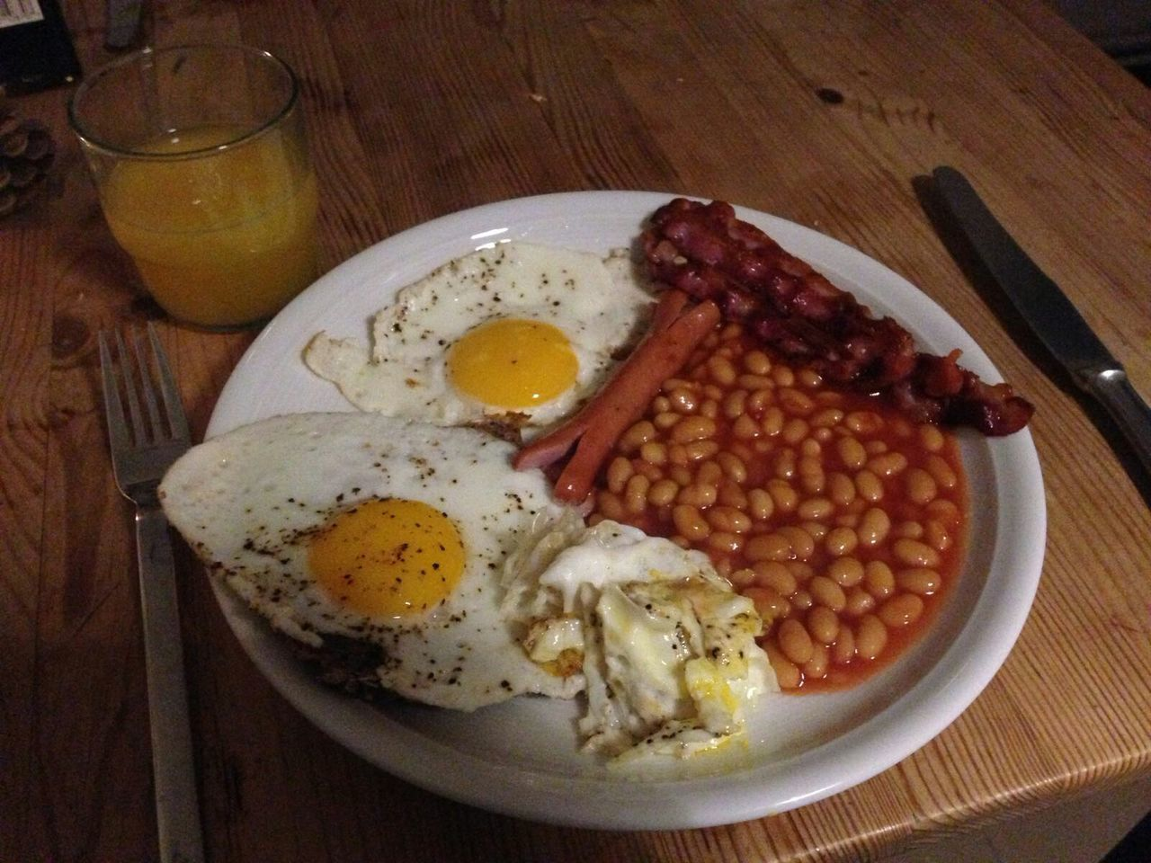Egg Fried Egg Breakfast Egg Yolk Plate Indoors  Food Ready-to-eat Food And Drink Sunny Side Up Table Freshness No People English Breakfast Bacon Healthy Eating Egg White Day Close-up Brown Bread
