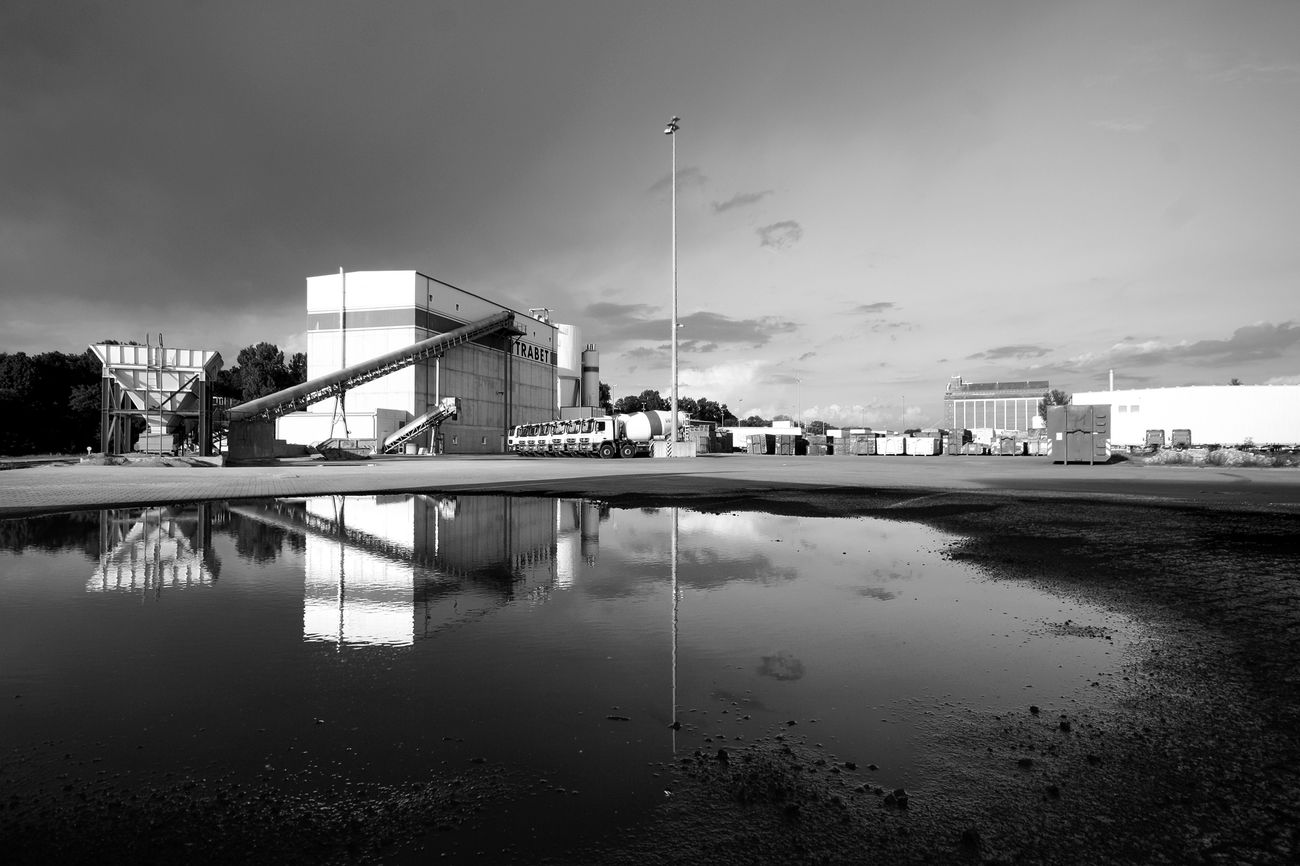 Adapted To The City Stereotopie No People Industrialphotography Industrialbuilding Industrialarchitecture Industrial Darkart City Bw Bnw Blackandwhite Berlin Architecture Westhafen EyeEmNewHere Reflection Reflections Puddle Reflections Brutalism Dark
