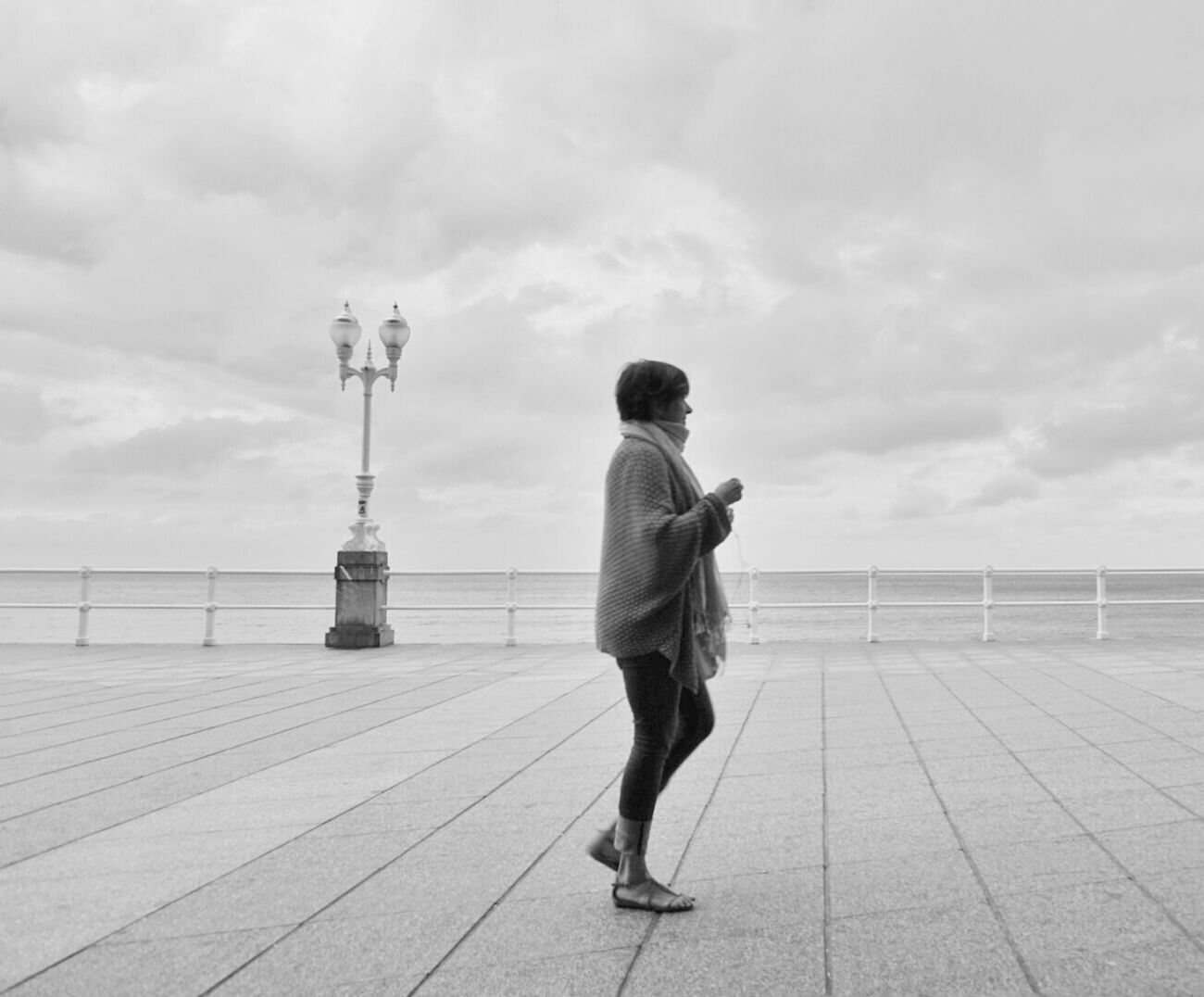 Mi Serie GijónMinimalobsession Minimalism Minimal Streetphotography Streetphoto_bw White Mi Serie Minimal