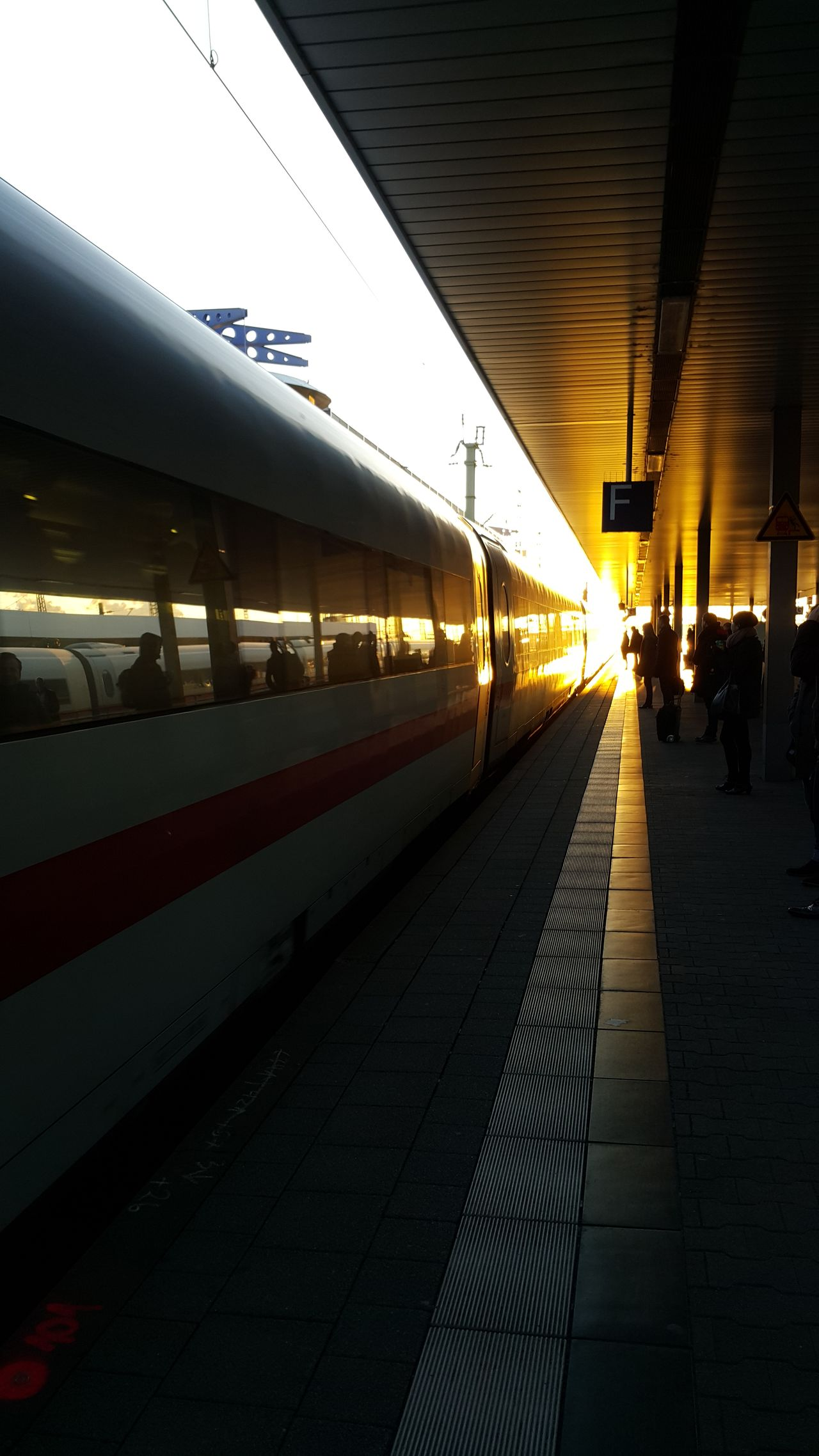 Transportation The Way Forward Illuminated Railroad Station Platform Railroad Station Train Train Station Trainphotography Trainstation Sunset On My Way Home Mannheim On My Way To Work Sunrise In The Morning In The Evening In The Morning Light In The Evening Sun