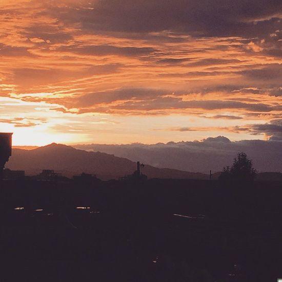 Photographer Amateurphotography Awesomeness WOW Amateurphotographer  Photography Red Orange Clouds Thesky The Sky Sun Ig_masters Igworldclub Ig_worldclub @ig_captures Everydayhornofafrica Everydayafrica