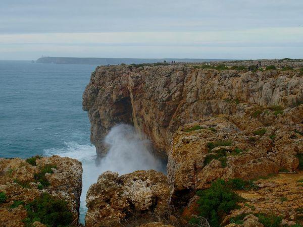 Impressive wave. Note people on top. Waves Crashing Wave Waves And Rocks Impressive