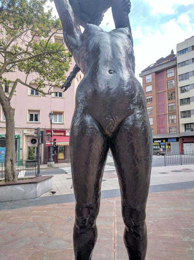 Mujer Desnuda Escultura Estatue  Statue Outdoors EyeEm Gallery Cityscape Asturias , Spain Oviedo No People Low Angle View