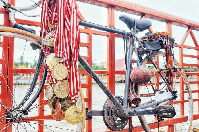 Spirit of life kai api Medals Collection Metal Outdoors Medalscollection Medals Arent Made Of Real Gold They Are Made Out Of Sweat And Hard Work EyeEmNewHere Eye4photography  Spiritoflife in Banjarmasin, INDONESIA