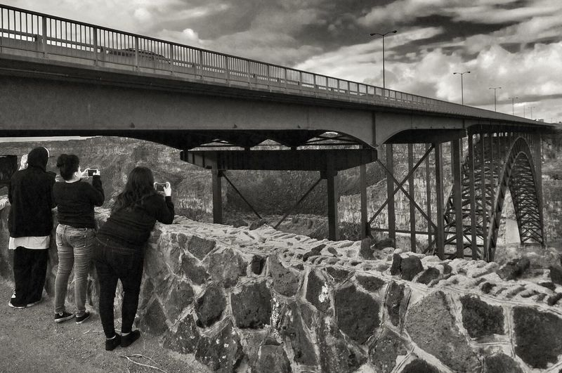Taking pictures. Bnw_friday_eyeemchallenge IPhoneography Bridge Black And White Taking Photos EyeEm Best Shots Streetphoto_bw