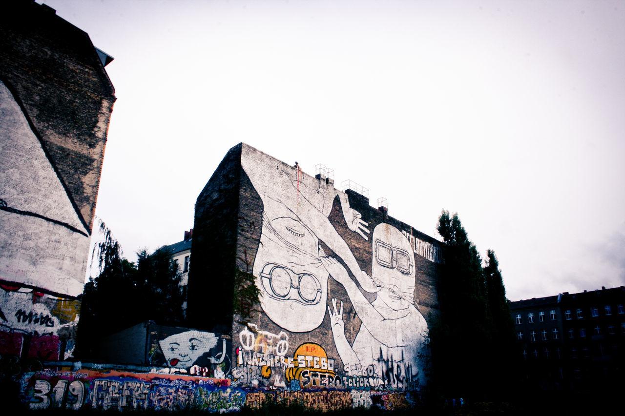 When Blu painted in Kreuzberg Architecture Berlin Berlin Photography Berlin Street Markets Berlin Street Photography Berlinstagram Blu City Kreuzberg Murales Reportage Street Street Art Street Art/Graffiti Street Photography Streetart Streetart/graffiti StreetArtEverywhere Streetphoto Streetphoto_color Streetphotography Urban Urban Exploration Urban Landscape Urbanphotography