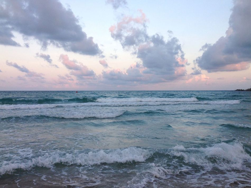 First Eyeem Photo Sea Sea And Sky Seascape Sky Sky And Clouds Beauty Beauty In Nature Beach Beachphotography Sand No People Clouds And Sky Traveling Gulf Of Thailand Pacific Ocean Waves Waves, Ocean, Nature