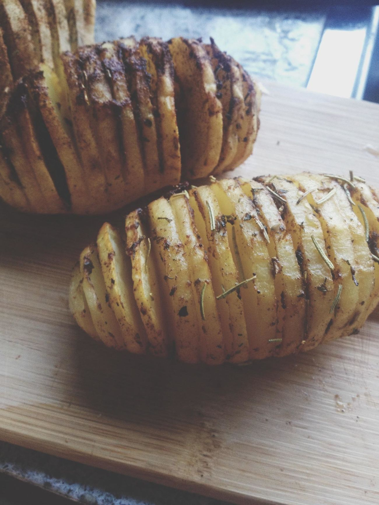 hasselback potatoes! Foodporn Foodie PotatoesDesign