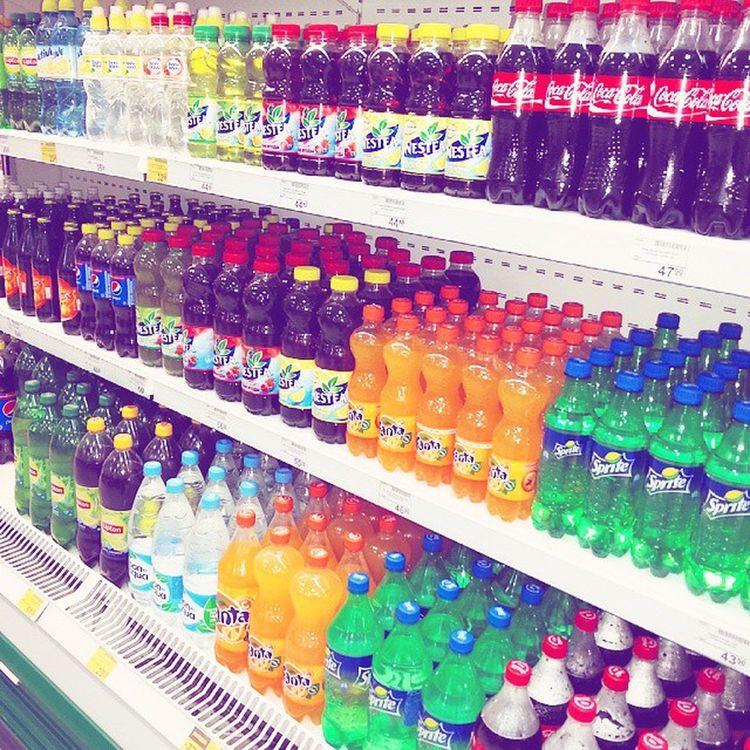 Какой отдел супермаркета самый яркий? Правильно, с газировкой ^^ Привет перфекционистам, любителям красок и просто веселым ребятам! супермаркет витрина магазин шоппинг кола Спрайт фанта пепси IDE @ Shopping Shop Cola Fanta Pepsi тц