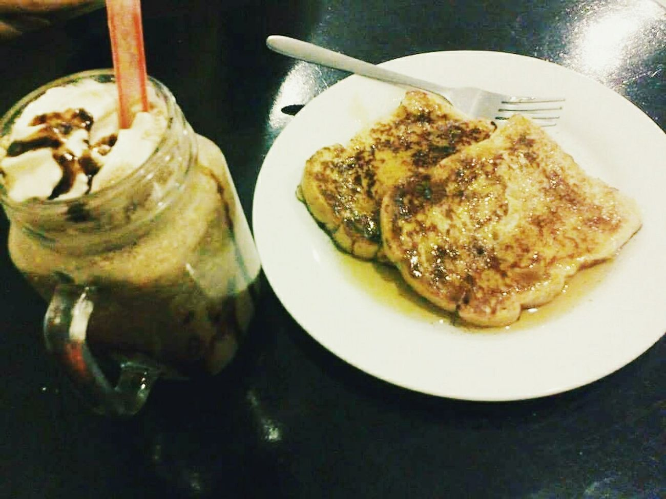Frenchtoast& Chocolate Rockyroad Smoothies @sabroso cafe 😋 Vscocam VSCOPH VSCO ❤❤❤