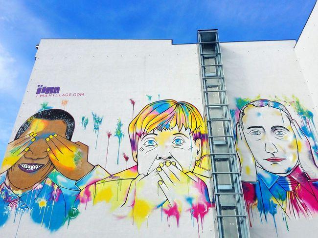 Can't see, can't talk, can't hear Threemonkeys Obama Putin Merkel Graffiti Graffiti Art Berlin Wall Art Architecture Colors