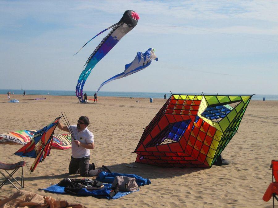 International Kite Festival Kites Kite Kite Flying Showcase April Enjoyment Blue Air Borne Cometas Leisure Activity Sky Cometa Flying Fly Spanish Spring Multi Colored Lifestyle Horizon Over Water Mediterranean Sea Beach