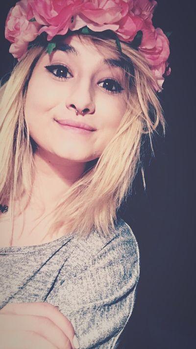 Girl Selfie Septum Piercing Flowers Flowers In My Hair Smile