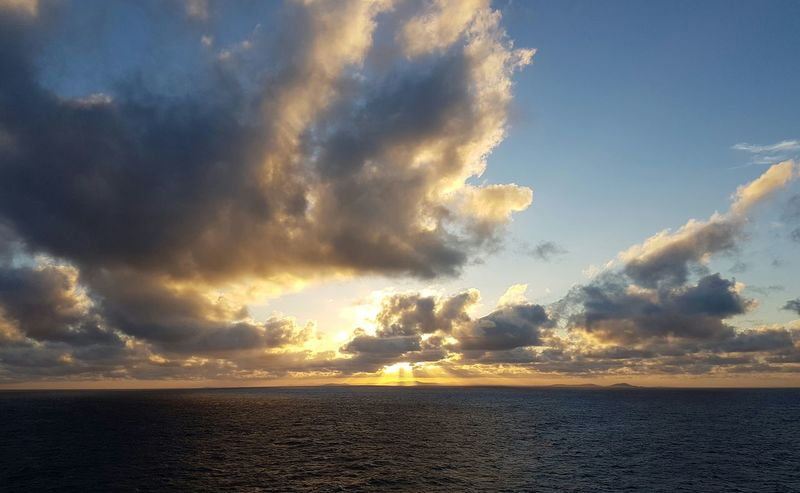 Cloud - SkySunset Tasman Sea Pacific Ocean Coral Sea Floating Sunset Cloud Inn Sunset sunset Coral Sea Tasman Sea Pacific Ocean Dramatic Sky Sunset Outdoors Sky No People Nature Storm Cloud Beauty In Nature Beach Sea Storm Thunderstorm Water Day