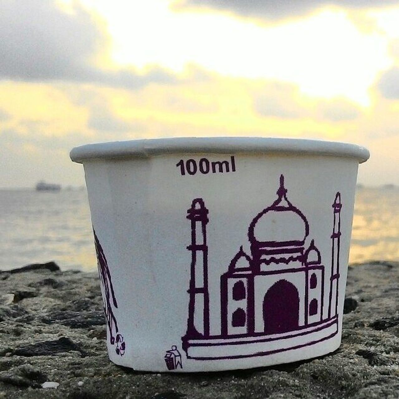 Go to my profile to see the complete picture. As the first ray struck the holy land of Rameswaram, people started to take bath at the one of the four dham at Rameswaram. I bought a tea to help myself to the warmth of the tea as sun was continuously hitting the land with its rays. Solotrip Oneday Voyage Rameswaram Island Tamilnadu Southindia India Ramanathasamy Temple Holy Place Lordrams Temple Agnitirtham