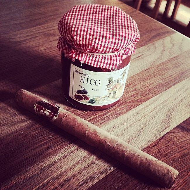 Ein Urlaubsmitbringsel... ich bin entzückt! :) Present Geschenk Cigar Immendingen Brennerhof Zigarre Figjam Feigenmarmelade
