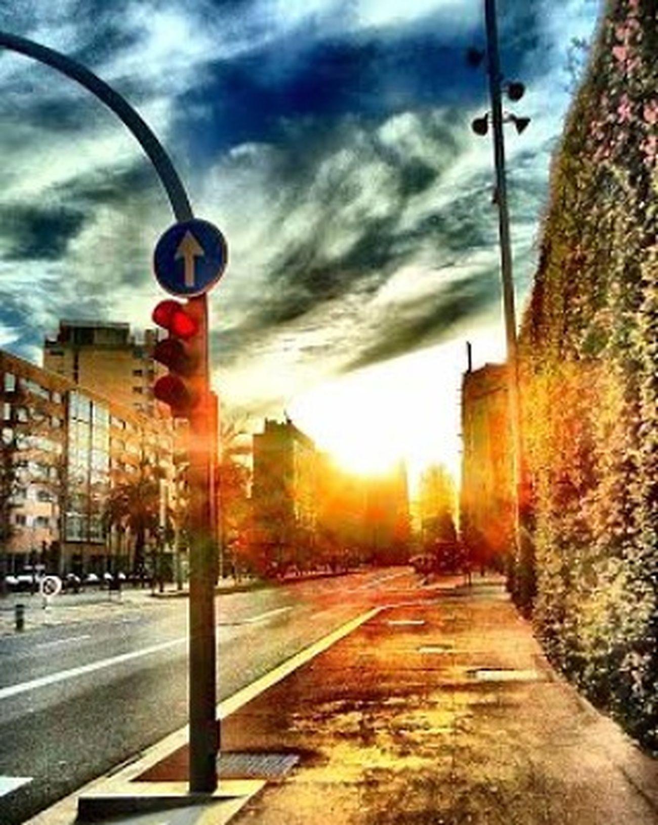 Street Katu Calle Rue Barcelona Bcnexplorers Bcndreamers Thebarcelonist Urbanlandscape Igersbarcelona Ig_catalonia HDR Hdr_spain Tv_hdr Sunsunsun_hereitcomes