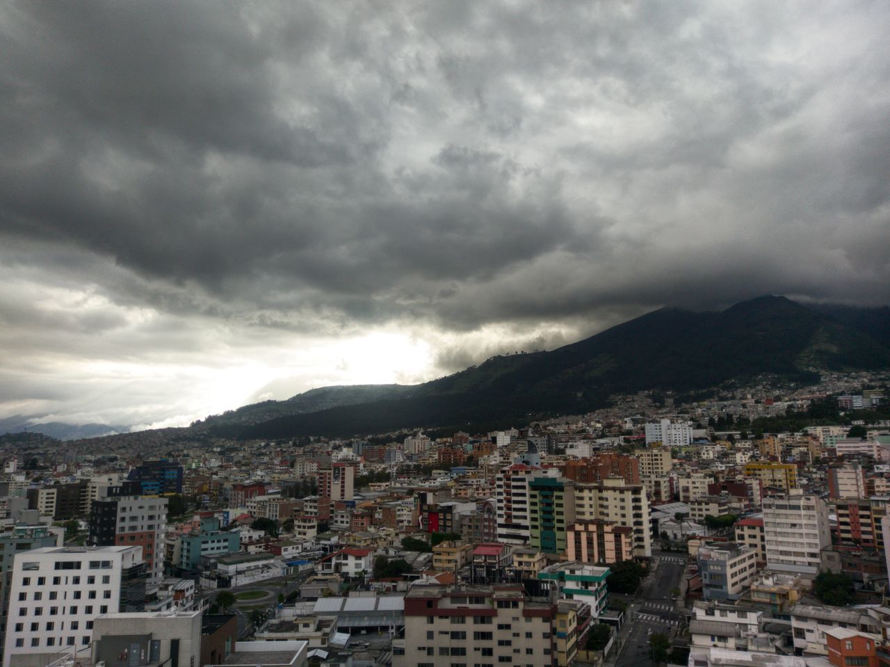 The top floor Cloud - Sky Cityscape Sky Storm Cloud Architecture City Storm Outdoors Quito Ecuador Mountains Mountains And Sky Roof Htc10 HTC