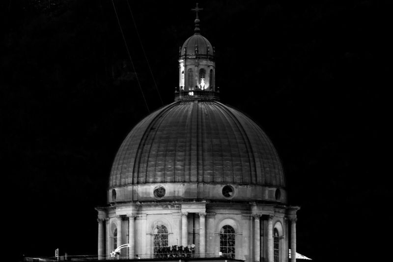 Under the dome - pt.2 Italy Architecture Beautiful Oropa Biella Sanctuary  Mountain View Greenery Going The Distance Notes From The Underground Everybodystreet It's Cold Outside Beach Life Snapshots Of Life Architecturelovers Showcase: January Sound Of Life The Architect - 2016 EyeEm Awards Your Design Story Found On The Roll Cities At Night The Great Outdoors - 2016 EyeEm Awards The Street Photographer - 2016 EyeEm Awards