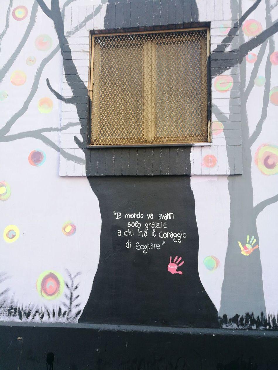 Frase Day Muro  Murales Murodarte Arte Arteurbano Urbanocity Urban Photography Italianeography Italian Pensieri Pensiero Pensierieparole Pensivemoments Momento Attimi
