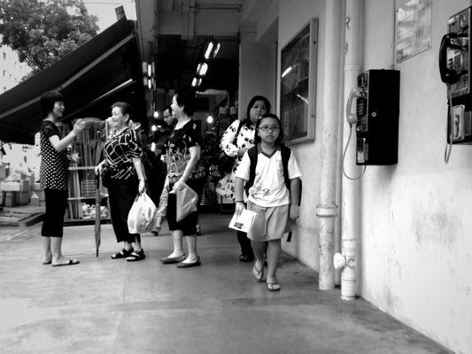 streetphotography in Singapore by Sherrina Chen