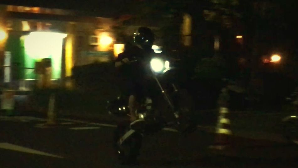 ウィリー Dトラッカー Night 夜 バイク