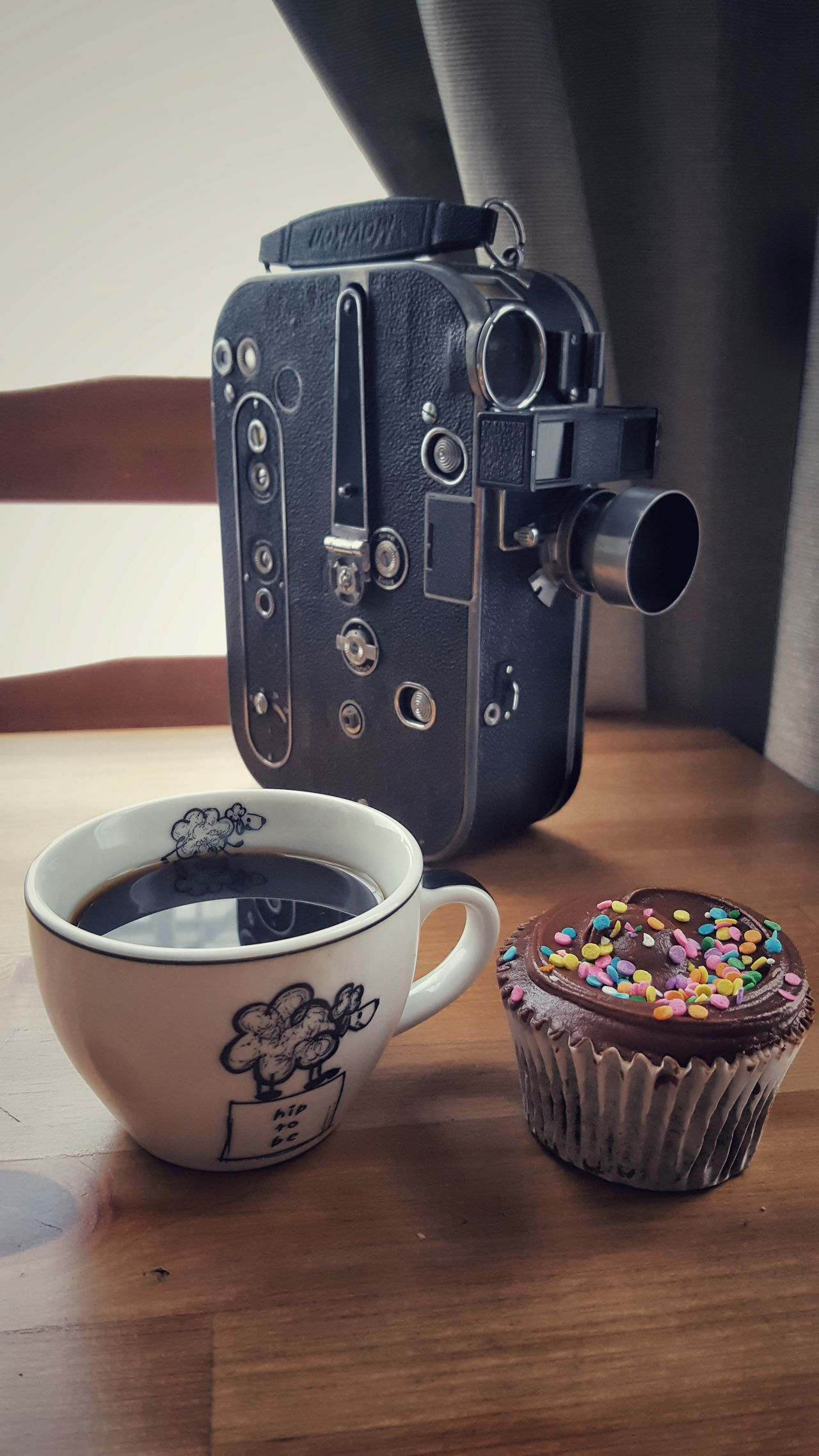 Coffee ,cupcake and Action Close-up Coffee Coffee - Drink Coffee And Sweets Coffee At Home Coffee Break Coffee Cup Coffee Time Coffee ☕ Cup Cakes Food Food And Drink Food Porn Foodporn Freshness Indoors  The Food Photographer Retro Retro Style Retro Styled Still Life Sweet Sweet Food Vintage EyeEm Selects