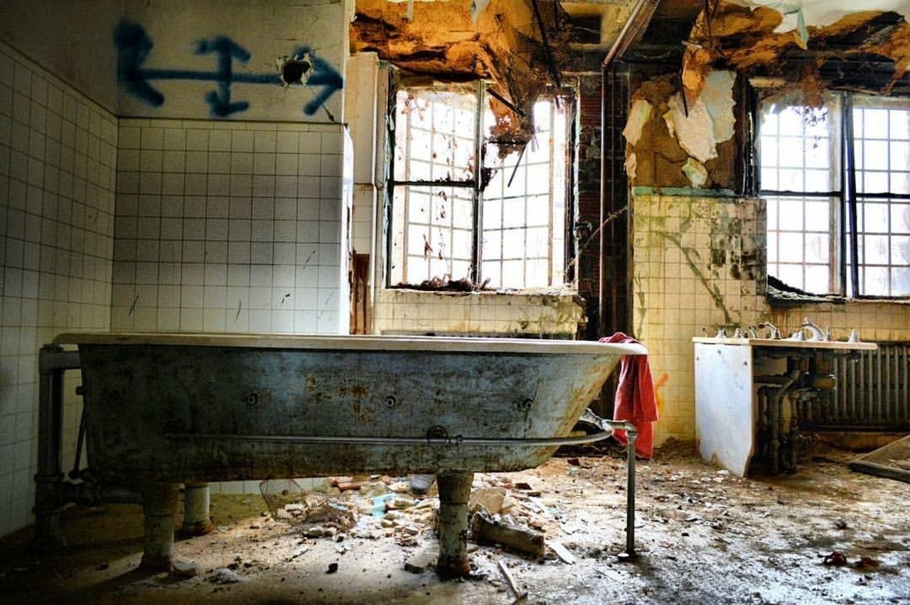 EyeEm Abandoned Asylum Abandoned_junkies Abandonment_issues Abandoned Places Hospital Exploring ExploreEverything Nikonphotographer Nikon Nikonphotography Grime_nation Grime_lords Forgotten Places