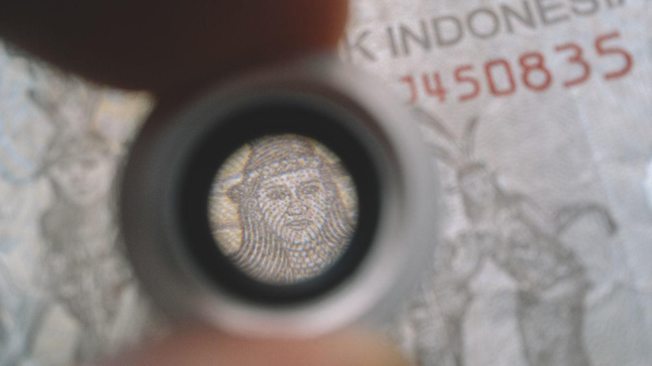 Close-up Day Engraved Image EyeEm Best Shots EyeEmNewHere Eyesight Face Indoors  Lens Macro Macro Photography Money Text Break The Mold