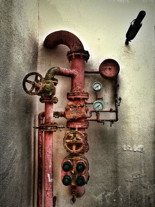 Old fashion water piping layout. HuaweiP9 EyeEm Huaweiphotography Light And Shadow Urban Exploration UrbanART Popular My Smartphone Life Phone Inspirations