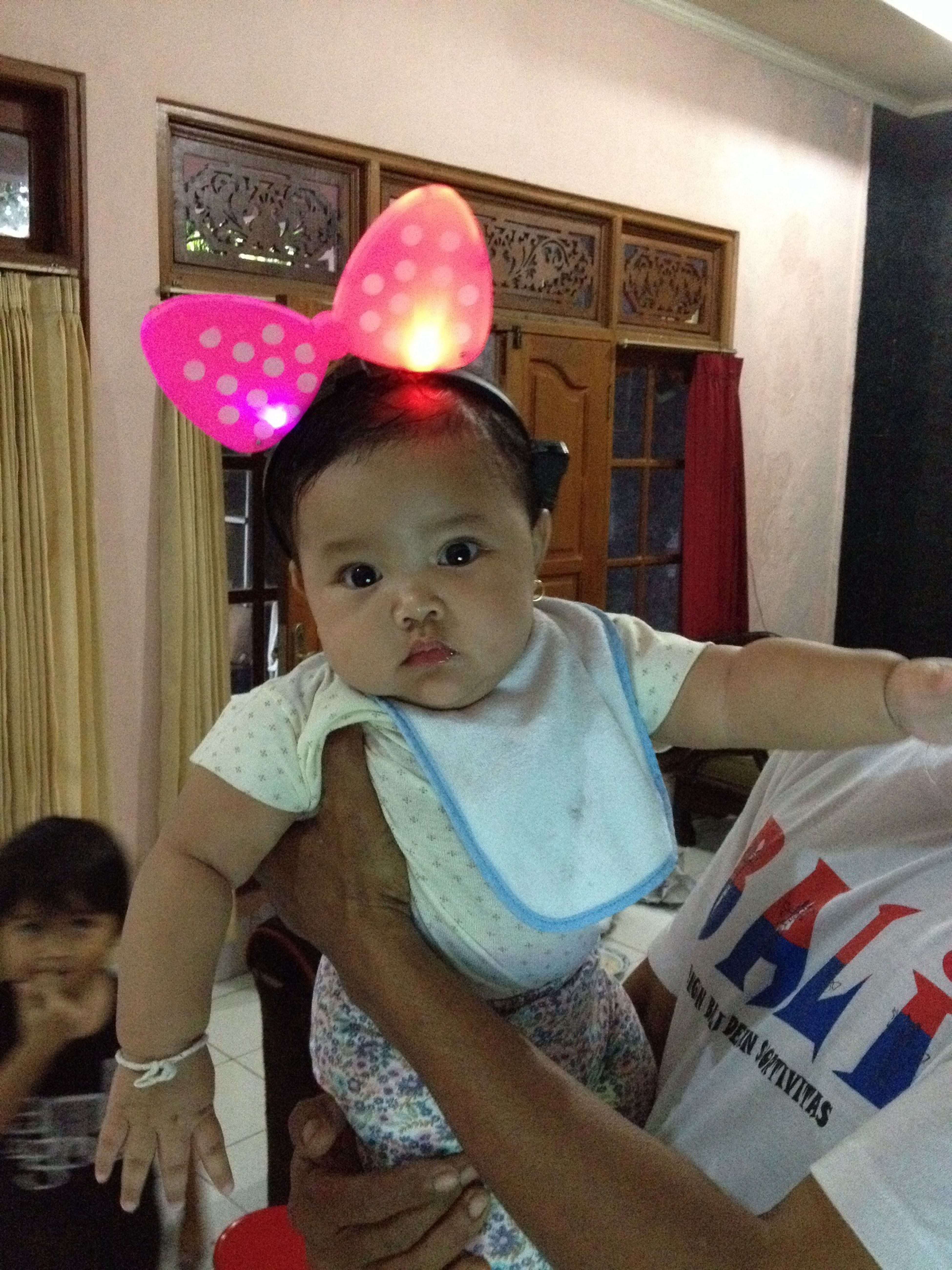 Jesslyn bella like minnie mouse Taking Photos Hello World Cheese! Special Moment