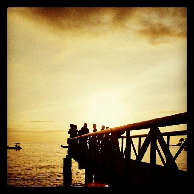 Sons of the sun Beach Sunset Ocean Sengigi Lombok Fotodroids
