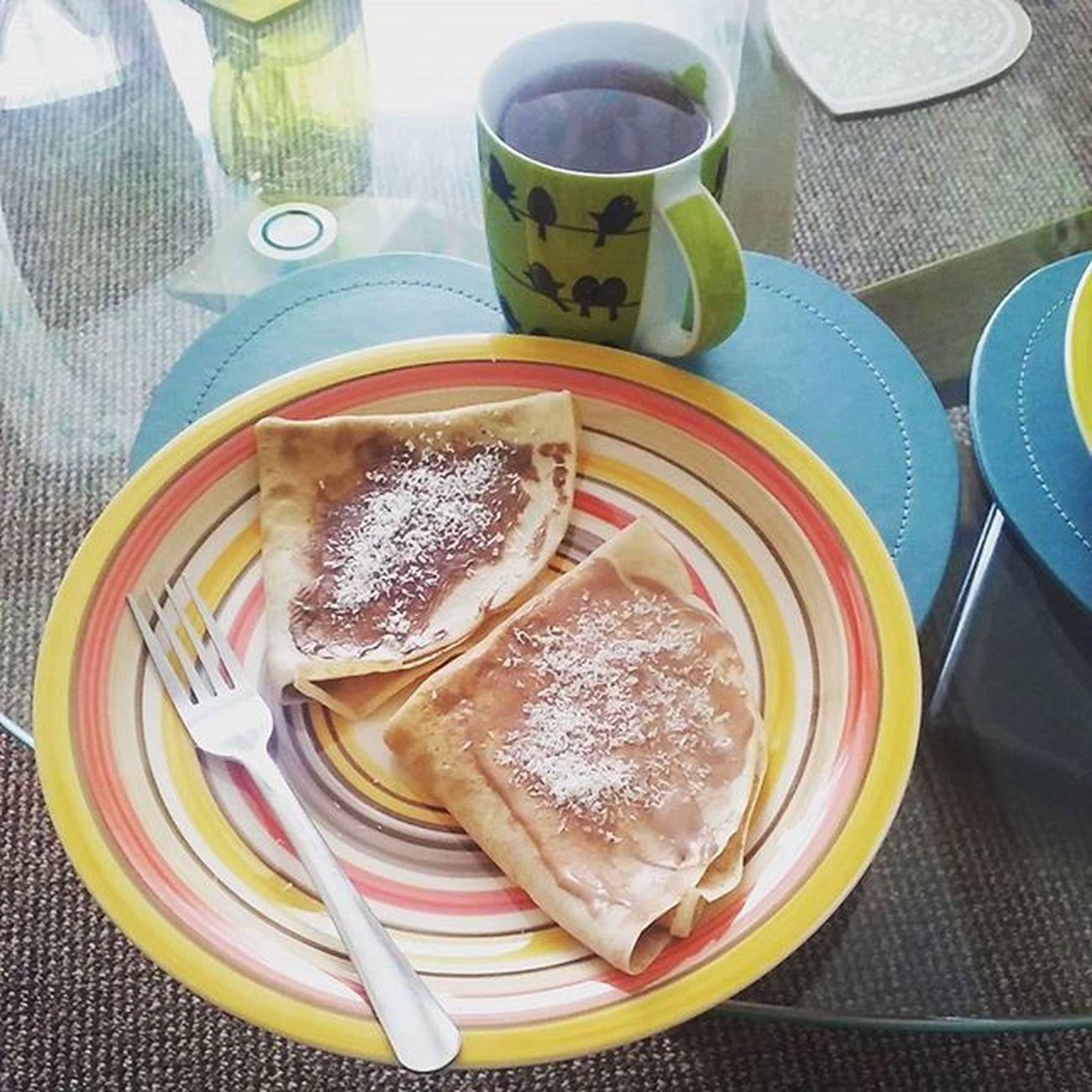 Smacznego😀 śniadanie Breakfast Niedziela Sunday Nalesniki Pancakes Yummy Delicious Happy Day Free Time Kokos Coconut Nutella Serek Waniliowy Banany Polishgirl Food Instafood Cook  Chocolate Likeforlike L4l f4f
