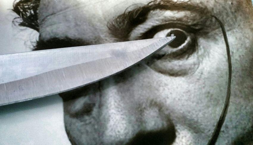Precision Salvadordali Knife Eye Pain Agony Under Pressure