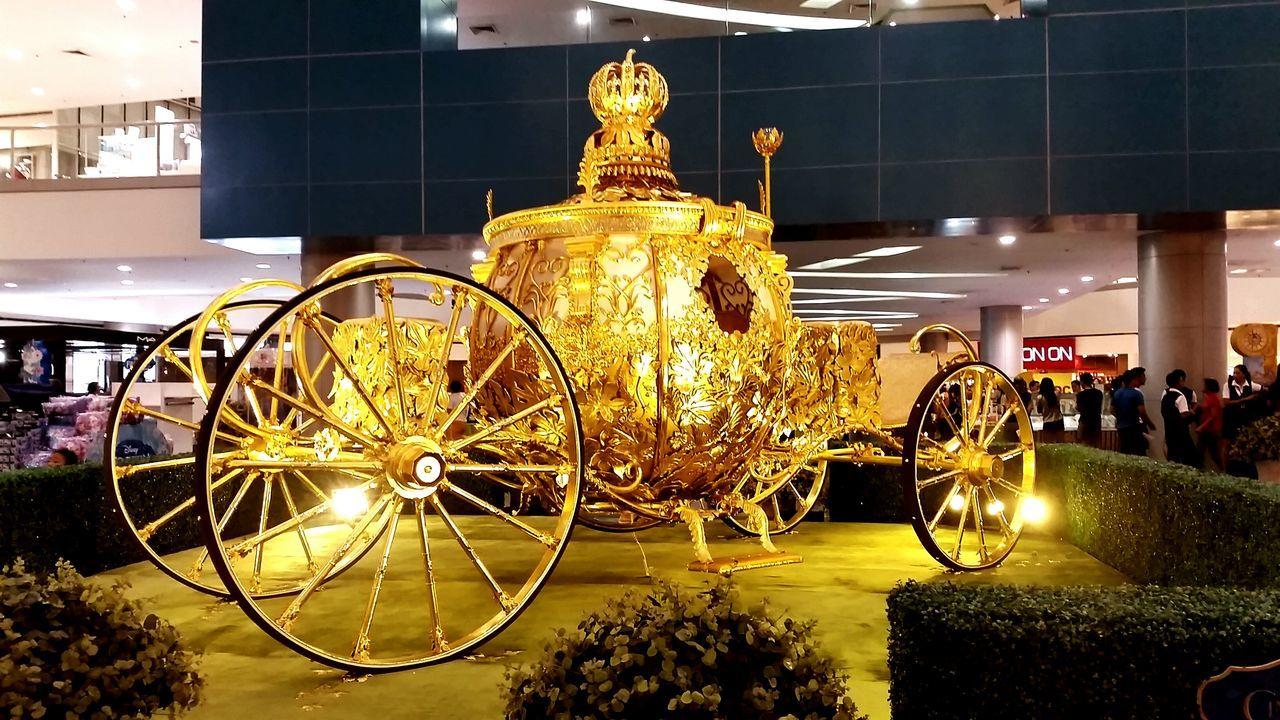 Bakit naka park dito sasakyan ko? Cinderella Carousel Pumpkincarousel