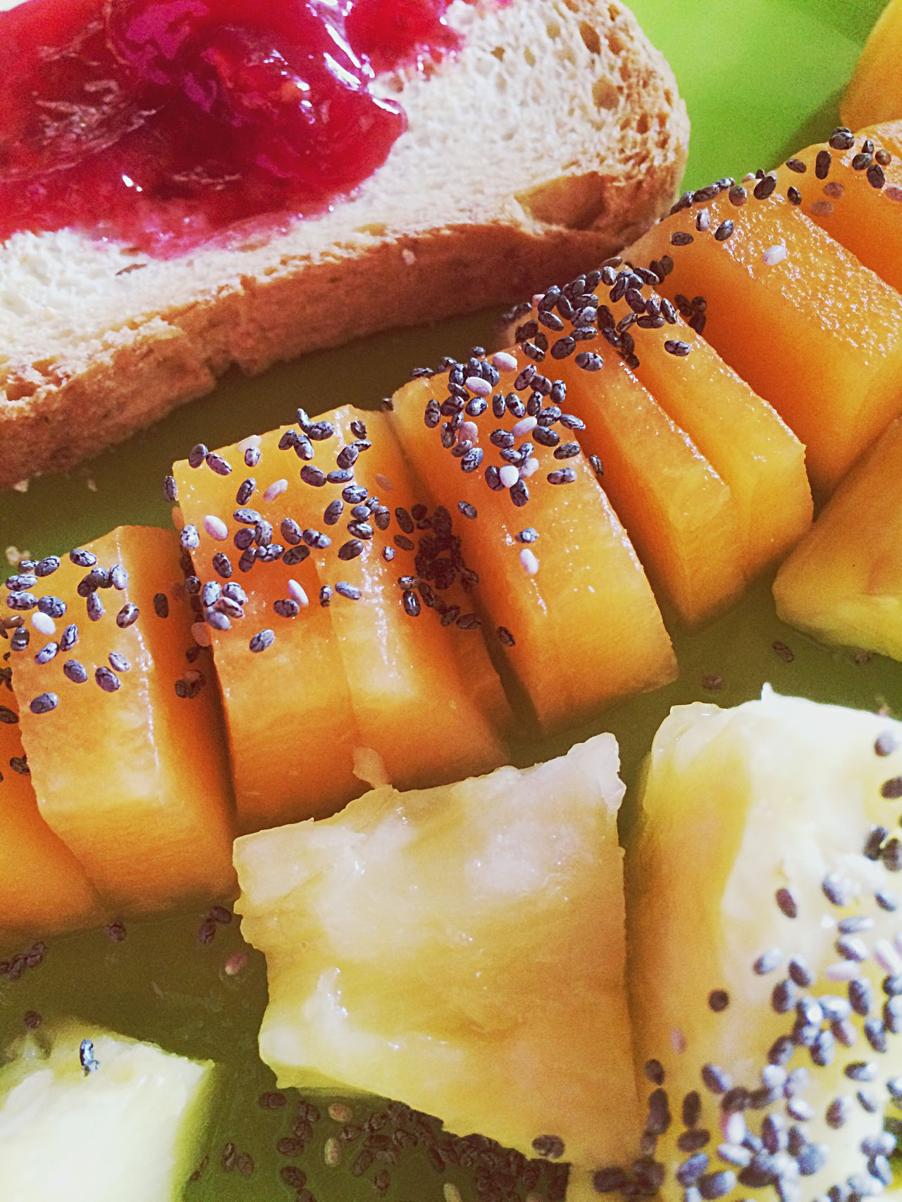 Morning Food And Drink Food Freshness Indoors  Ready-to-eat Close-up Seed No People Healthy Eating SLICE Sesame Seed Serving Size Temptation Day Coffee Raspberry Addiction Morning Rituals Caffè Colazione Chiaseeds Ananas