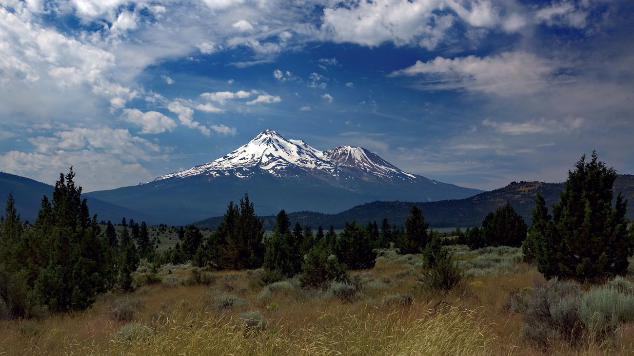 Mount Shasta, California Volcano Iconic Sky Mountains And Sky Landscapes With WhiteWall