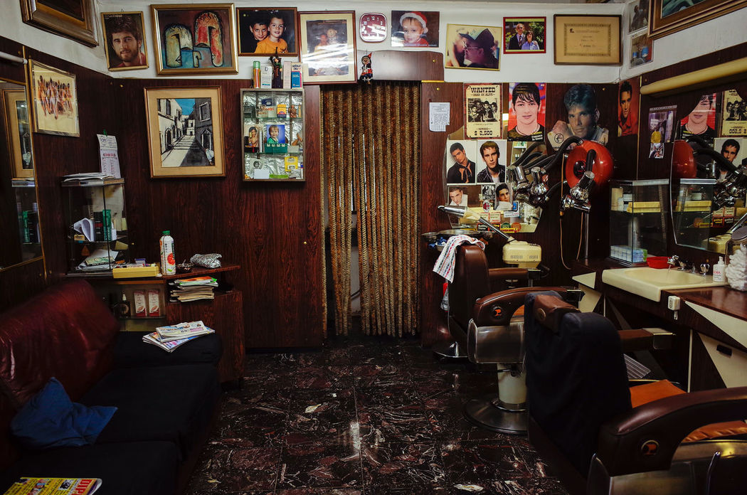 barber shop Barber Chair Barber Shop Barberlife Barbershop Beautifully Organized Decoration Everyday Lives Everything In Its Place Indoors  Indoors  Interior Views Occupation Pictures Pictures On The Wall Shop