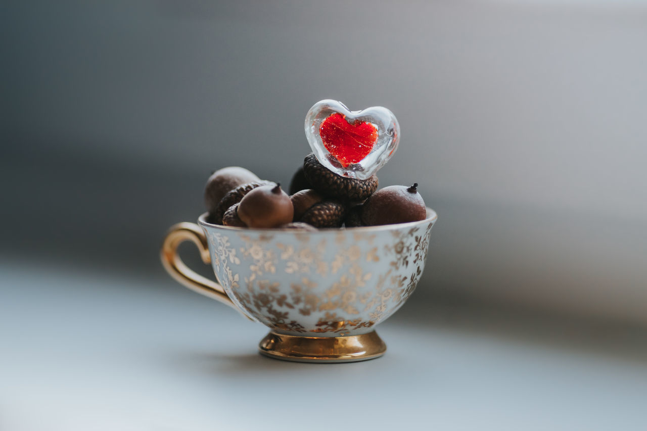 Acorns Be My Valentine Bowl Cup Date Eichel Food Freshness Full Of Love Glass Gold Golden Healthy Eating Heart Indoors  Liebe Little Cup Love Love Letter Morning No People Tasse Valentine Valentine's Day