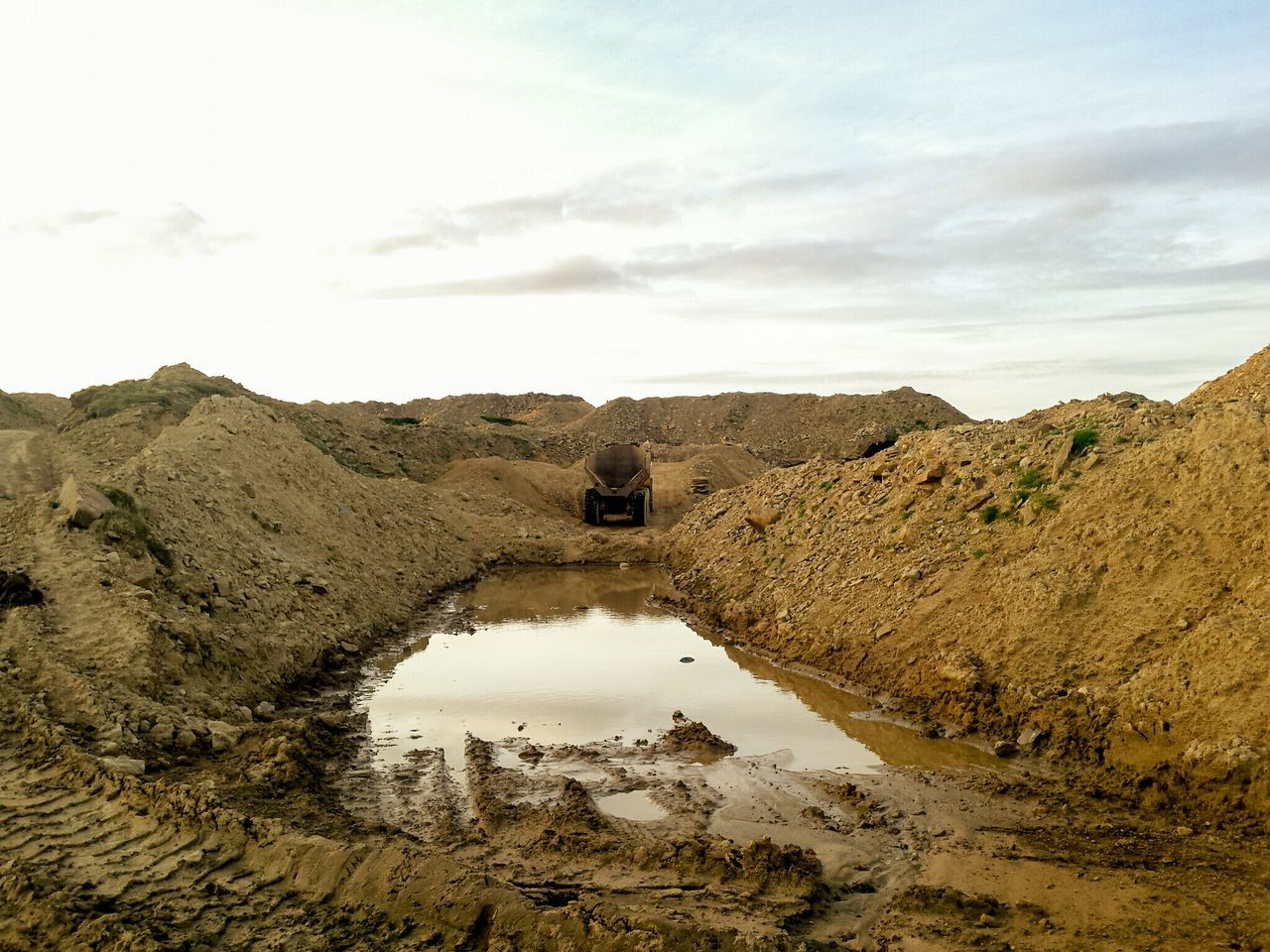 Reflection Outdoors Sky Cloud - Sky Day Water No People Landscape Nature Beauty In Nature Sand Dune Digging Digger Machine Parts Business Finance And Industry Construction Site The Great Outdoors - 2017 EyeEm Awards Quarry Earth Work Stone Rock BYOPaper! Landscapes Scenics