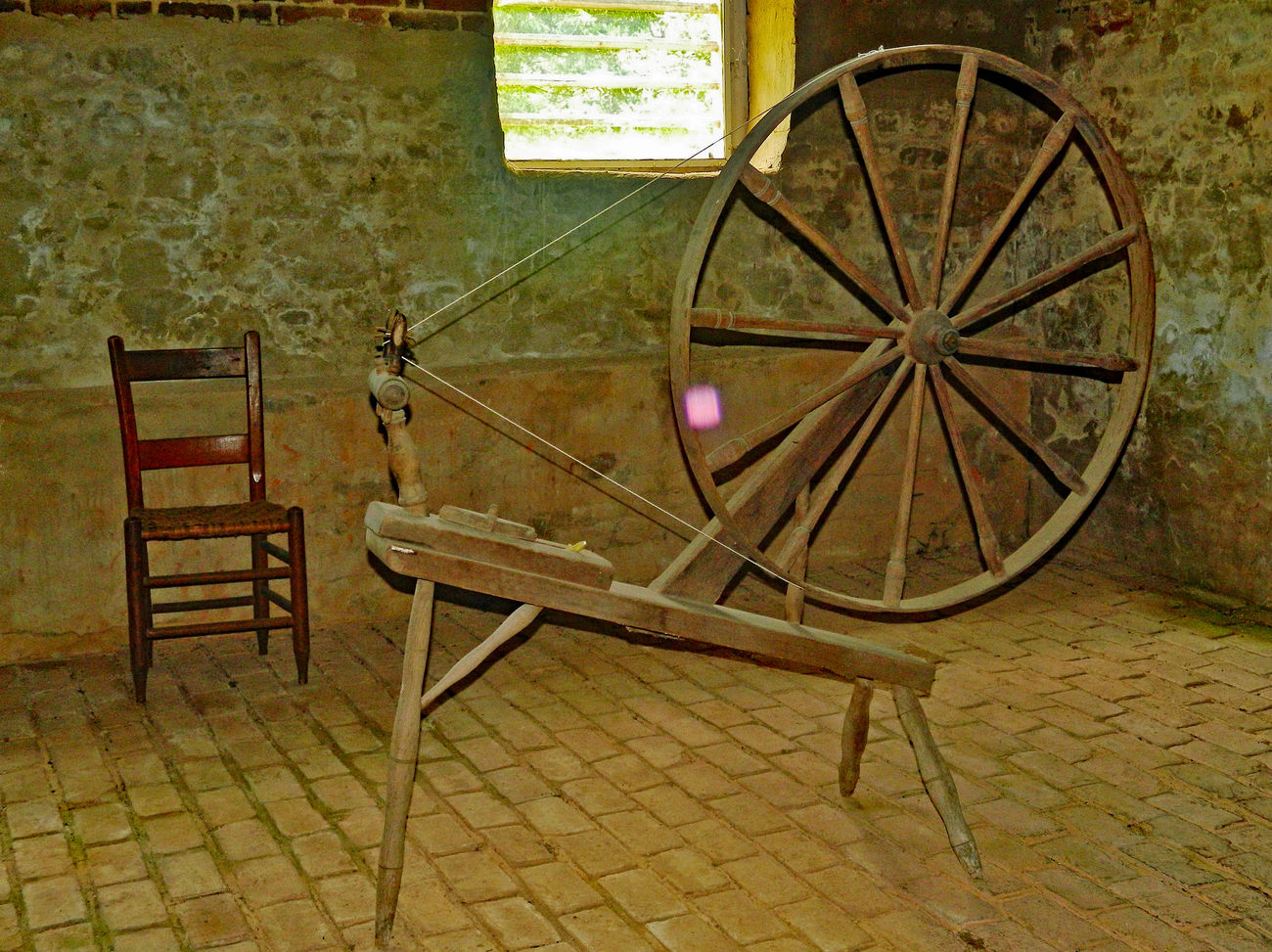 historical wheel loom in home of Patrick henry Absence Arrangement Chair Close Up Colonial Day Empty Furniture Historical Home House No People Old Old Buildings Parick Henry Seat Still Life Tourism Wheel Wood - Material Wooden