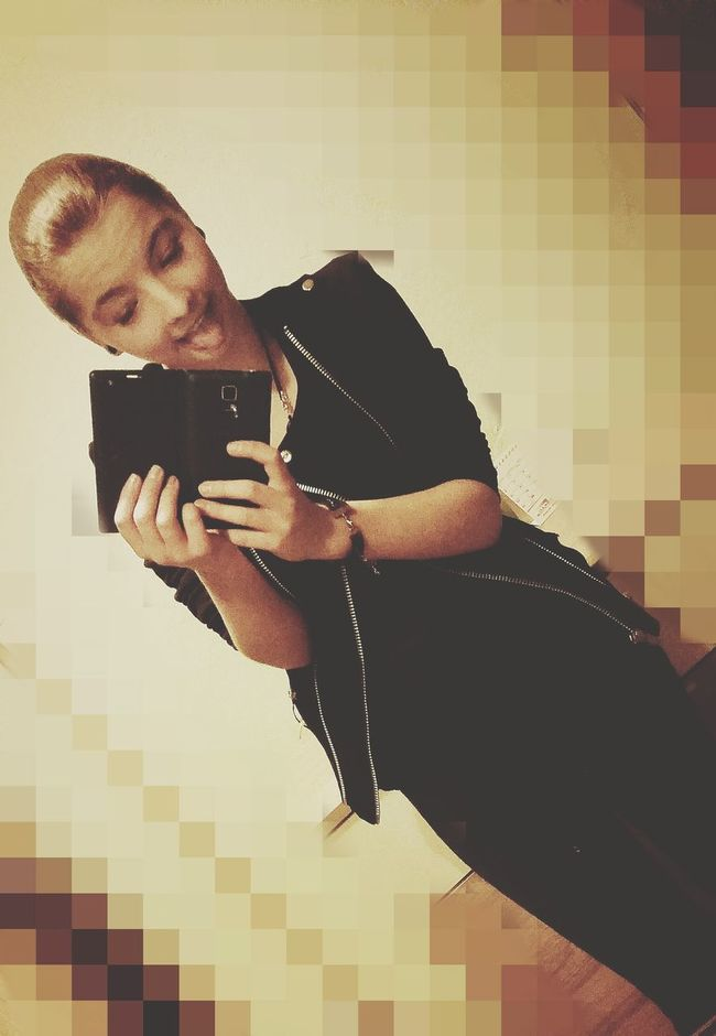 ❤✌ Followmefollowyou Loveyou♥ Love ♥ Smile ✌ Happy People The Week On EyeEm Smile Relaxing People Folowme ✌ ❤ Shopping