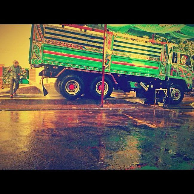 วันอาทิตย์ พวกเรามักอาศัยอยู่ที่นี่ Carcare Carwash Carclean Truck Car Drive Bangkok Thailand Thaionly Sunday Colorfull Instargram Instarpic Picofday