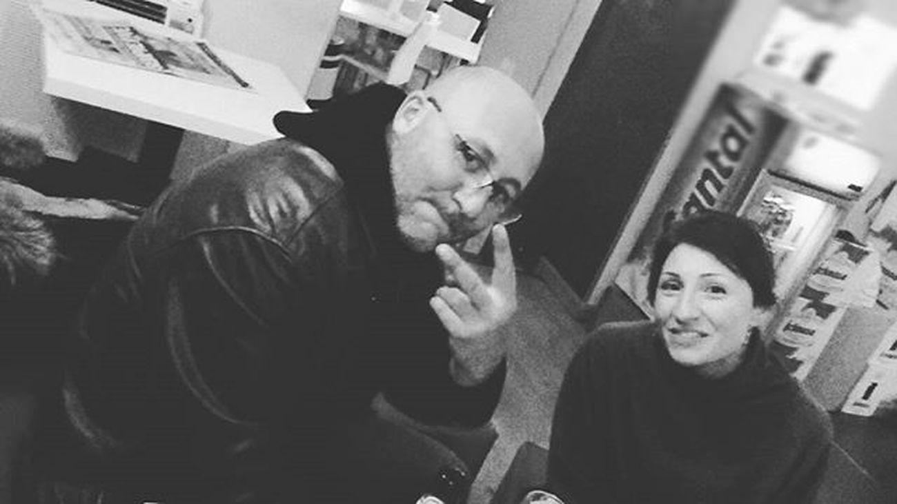 Friends, good times... Friends GoodTimes Spendingtimewithfriends Birroso Campari