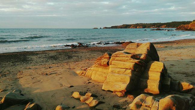 Saundersfoot beach early morning