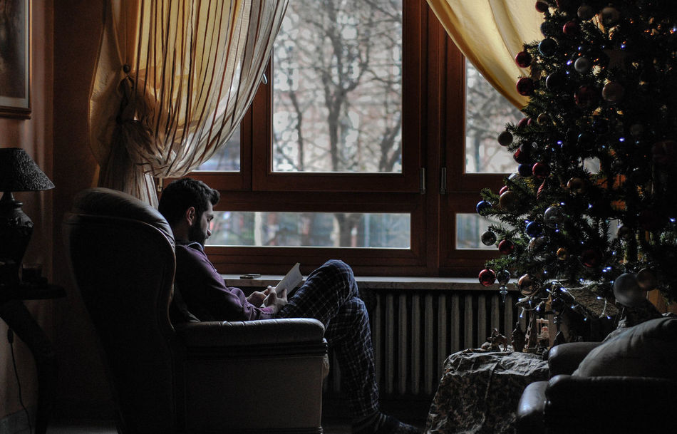 Beautiful stock photos of weihnachtsbaum,  20-24 Years,  Adult,  Adults Only,  Celebration