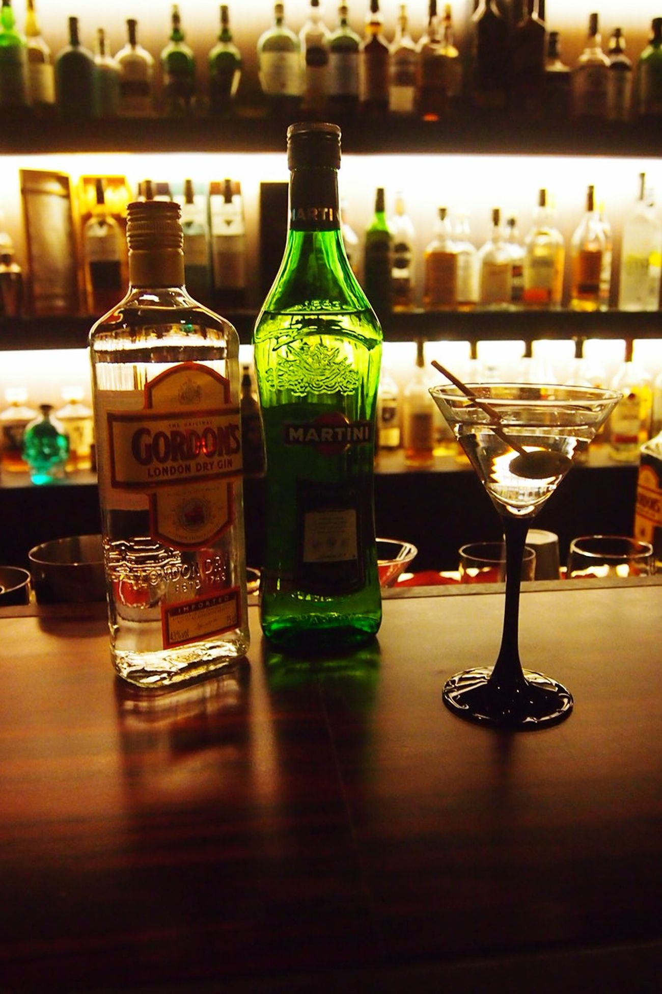 마티니 저어서, 섞지말고 Martini stirred, not shaken Drinks Mixology Korea Cocktail GIN Martini Kingsman